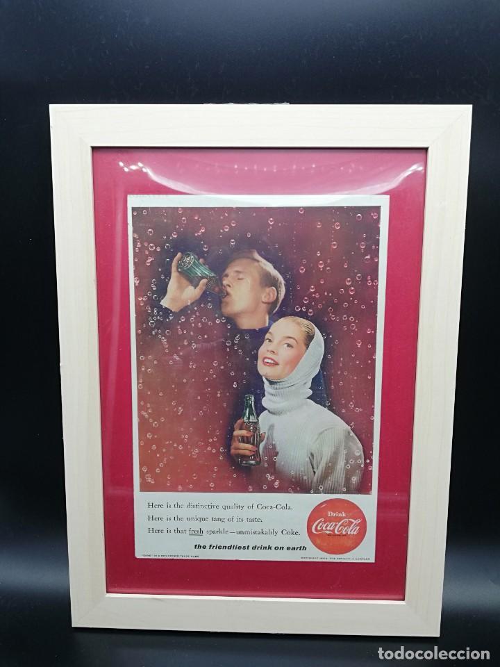 CARTEL PUBLICITARIO COCA COLA ENMARCADO CON CRISTAL PERIODO 1950/1960 34X25 CM BUEN ESTADO (Coleccionismo - Botellas y Bebidas - Coca-Cola y Pepsi)