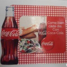 Coleccionismo de Coca-Cola y Pepsi: IMÁN COCA-COLA. NEVERA. AÑOS 90. 17 X 14 CM ALTO. Lote 186146522