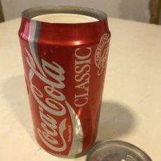 Coleccionismo de Coca-Cola y Pepsi: COCA-COLA CLASSIC LATA COMPARTIMENTO SECRETO. AÑOS 80S. Lote 188626496