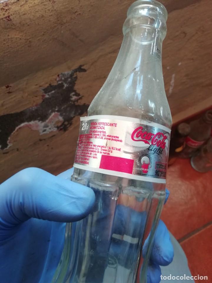 Coleccionismo de Coca-Cola y Pepsi: Antigua botella de refresco gaseosa Coca Cola Light 2006 - Foto 4 - 194603740
