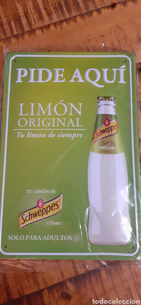 Coleccionismo de Coca-Cola y Pepsi: SCHWEPPES SOLO PARA ADULTOS - CARTEL CHAPA - TU LIMÓN DE SIEMPRE - - Foto 2 - 194898973