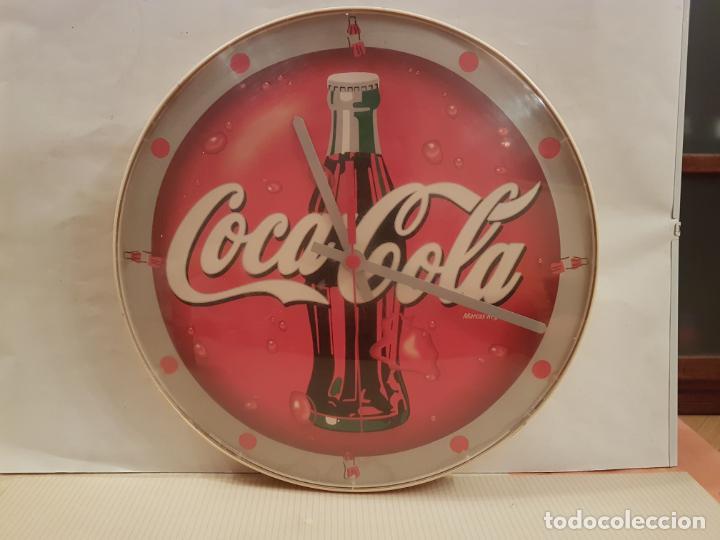 RELOJ DE PARED DE COCACOLA FUNCIONA PERFECTAMENTE ESTA PROBADO VER FOTOS (Coleccionismo - Botellas y Bebidas - Coca-Cola y Pepsi)
