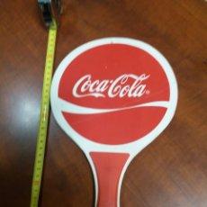 Coleccionismo de Coca-Cola y Pepsi: COCA-COLA .RAQUETA DE PUBLICIDAD.. Lote 195387535