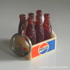 Coleccionismo de Coca-Cola y Pepsi: LLAVERO CAJITA DE BOTELLINES PEPSI PUBLICIDAD DE REFRESCO PEPSICOLA BEBIDA CAJA DE BOTELLAS CON LOGO. Lote 195653026