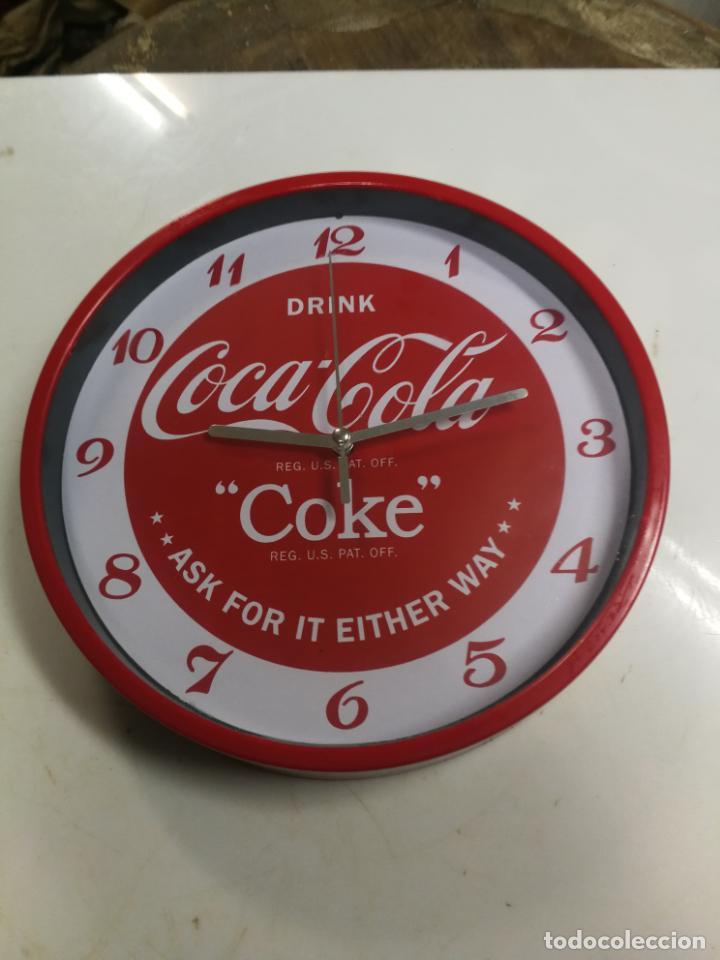 RELOJ DE PARED COCA COLA COKE FUNCIONANDO. (Coleccionismo - Botellas y Bebidas - Coca-Cola y Pepsi)