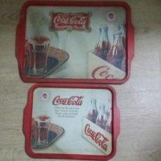 Coleccionismo de Coca-Cola y Pepsi: LOTE 2 BANDEJAS COCA COLA DE METAL. COME BIEN CADA DÍA CON COCA COLA. DISTINTOS TAMAÑOS Y DIFERENTES. Lote 199233320