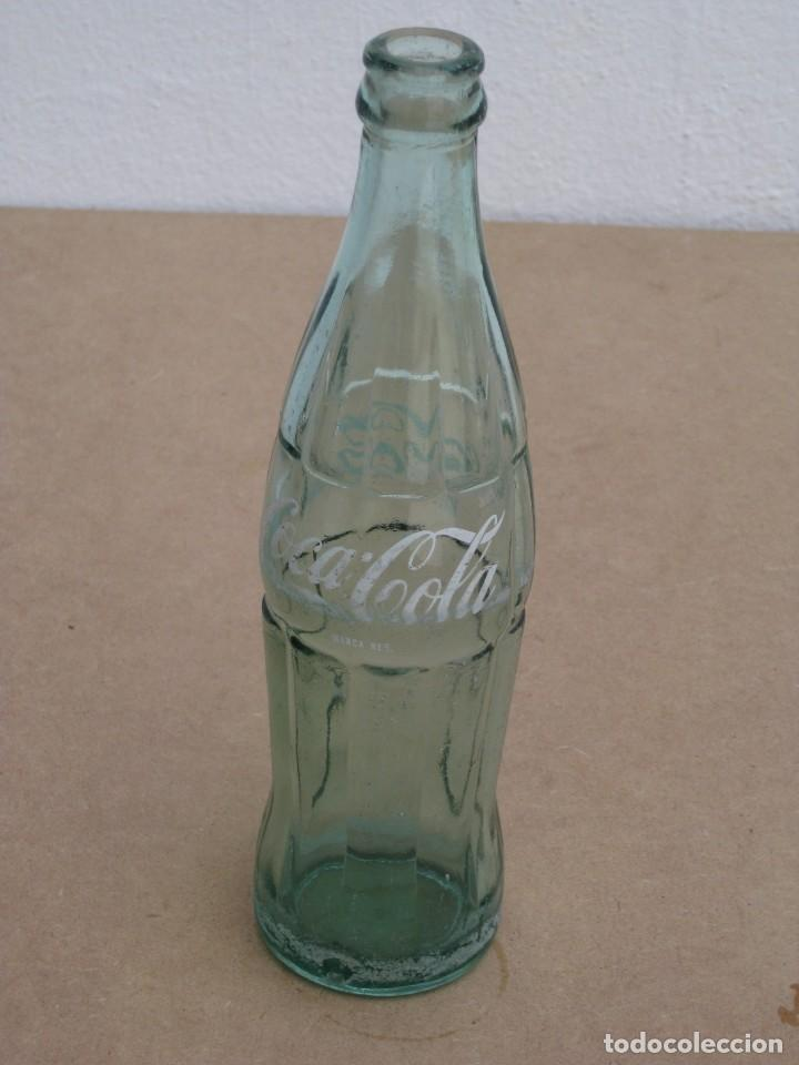 Coleccionismo de Coca-Cola y Pepsi: Botella Coca Cola serigrafiada. 35cl. - Foto 6 - 205299161