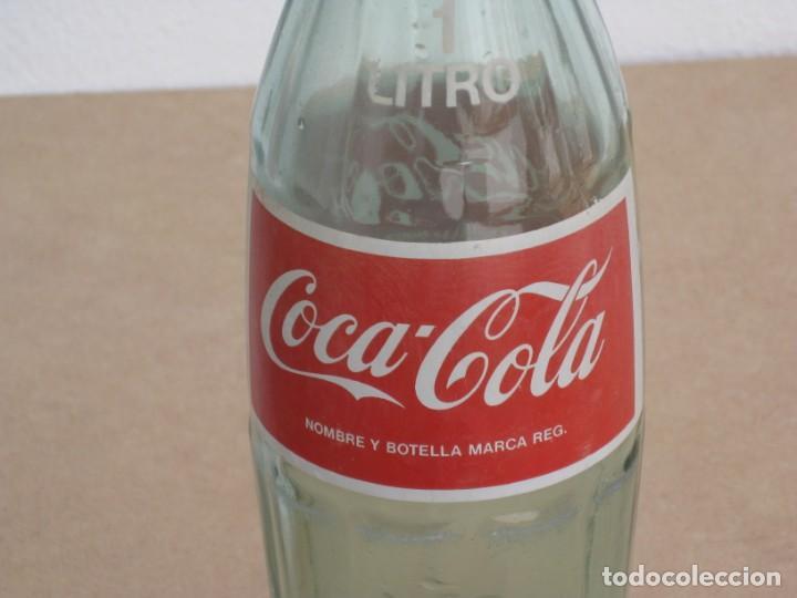 Coleccionismo de Coca-Cola y Pepsi: Antigua botella de Coca Cola. 1 litro. - Foto 4 - 205299453
