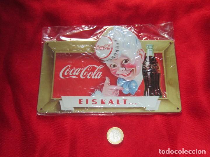 Coleccionismo de Coca-Cola y Pepsi: Coca Cola. Chapas litografiadas de publicidad. Ocho. - Foto 2 - 205713021