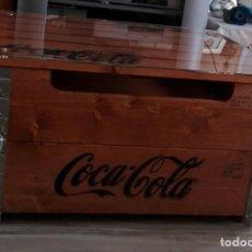 Coleccionismo de Coca-Cola y Pepsi: MESA BAJA DE MADERA COCA COLA. Lote 206888265