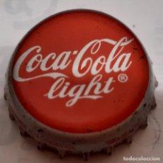 Coleccionismo de Coca-Cola y Pepsi: CHAPA CORONA COCA-COLA LIGHT MONTEREY -NL- -MEXICO- FABRICANTE -FAMOSA- KRONKORKEN TAPPI. Lote 241328640