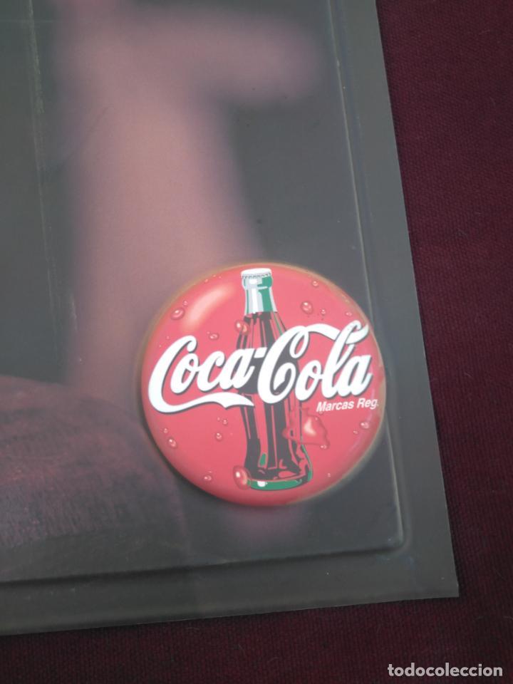 Coleccionismo de Coca-Cola y Pepsi: COCA COLA - ANTIGUO CARTEL EN RELIEVE, OTRA RONDA DE COCACOLA ¡¡¡ ÚNICO EN TODOCOLECCION !!! - Foto 2 - 212070376
