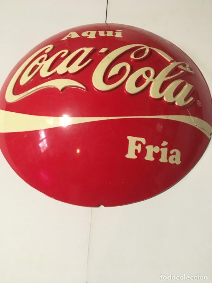 Coleccionismo de Coca-Cola y Pepsi: (M-R/C) ANTIGUA PUBLICIDAD COCA-COLA PLASTICO DISPLAY PARA COLGAR AQUI COCA-COLA FRIA - 29 CM. - Foto 2 - 213228671