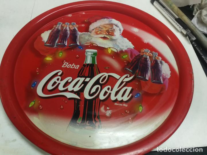 Coleccionismo de Coca-Cola y Pepsi: 2 ANTIGUAS BANDEJA COCA-COLA COCA COLA COCACOLA NAVIDAD PAPA NOEL AÑOS 70-80 CHAPA HOJALATA - Foto 3 - 213364115