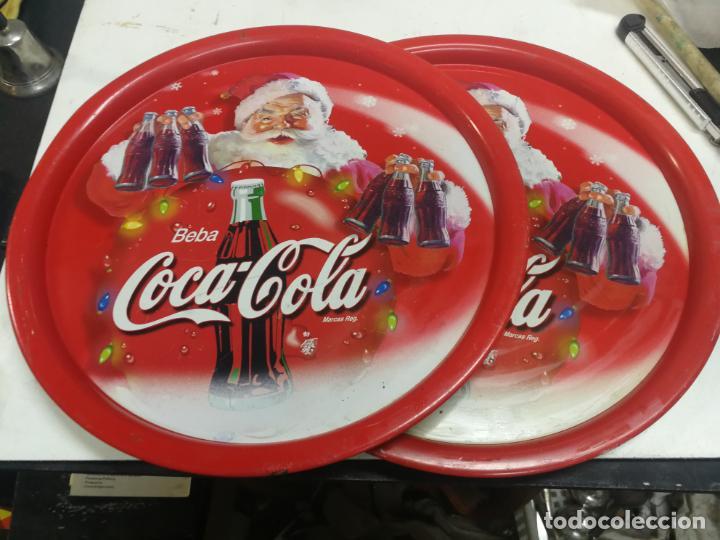 2 ANTIGUAS BANDEJA COCA-COLA COCA COLA COCACOLA NAVIDAD PAPA NOEL AÑOS 70-80 CHAPA HOJALATA (Coleccionismo - Botellas y Bebidas - Coca-Cola y Pepsi)