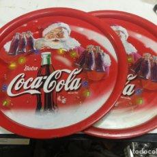 Coleccionismo de Coca-Cola y Pepsi: 2 ANTIGUAS BANDEJA COCA-COLA COCA COLA COCACOLA NAVIDAD PAPA NOEL AÑOS 70-80 CHAPA HOJALATA. Lote 213364115