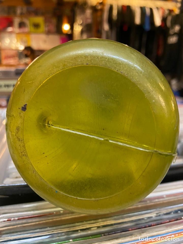 Coleccionismo de Coca-Cola y Pepsi: Hucha de cocacola Botella plastico antigua Coca Cola - Foto 4 - 213528708