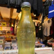 Coleccionismo de Coca-Cola y Pepsi: HUCHA DE COCACOLA BOTELLA PLASTICO ANTIGUA COCA COLA. Lote 213528708