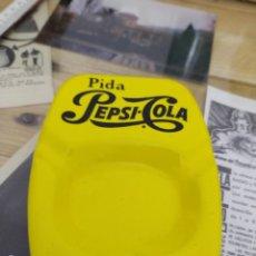 Coleccionismo de Coca-Cola y Pepsi: CENICERO ANTIGUO PEPSI COLA AÑOS 70 BAÑADO PORCELANICO. Lote 221129692