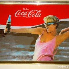 Coleccionismo de Coca-Cola y Pepsi: CUADRO ESPEJO DE COCA COLA. AÑOS 80. MUJER RUBIA GAFAS NATACIÓN. 50X35CM 1,5KG. Lote 221309267