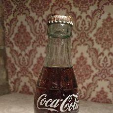 Coleccionismo de Coca-Cola y Pepsi: ANTIGUA BOTELLA / BOTELLÍN DE COCA COLA SIN ESTRENAR DE CRISTAL DE LOS AÑOS 70. Lote 261362610