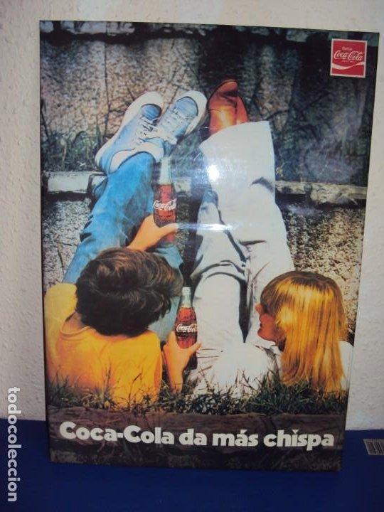(CAR-201100)CARTEL PUBLICITARIO COCA-COLA DA MAS CHISPA - AÑOS 70-80 (Coleccionismo - Botellas y Bebidas - Coca-Cola y Pepsi)