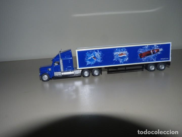 Coleccionismo de Coca-Cola y Pepsi: Camión con publicidad de Pepsi a escala 1/87. - Foto 2 - 228449571