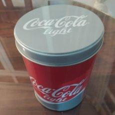 Coleccionismo de Coca-Cola y Pepsi: BOTE METÁLICO COCA COLA LIGHT 13X10. Lote 241543050