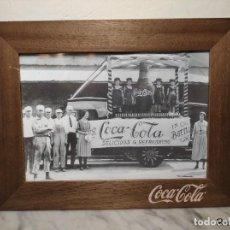 Coleccionismo de Coca-Cola y Pepsi: CUADRO ESTILO VINTAGE COCA-COLA (PUBLICIDAD CAMIÓN DELICIOUS) - 1ª DÉCADA S. XXI - 41 X 31 CM. Lote 243436555