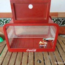 Coleccionismo de Coca-Cola y Pepsi: VITRINA , EXPOSITORA , EXPOSITOR DE COCA COLA, PUBLICIDAD MADERA Y METACRILATO. Lote 263731585