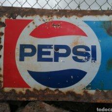 Coleccionismo de Coca-Cola y Pepsi: ANTIGUO CARTEL DE CHAPA ESMALTADA PEPSI. Lote 267064304