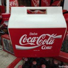 Coleccionismo de Coca-Cola y Pepsi: NEVERA PORTÁTIL DE COCA COLA AÑOS 80 90. Lote 267074034
