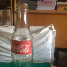 Coleccionismo de Coca-Cola y Pepsi: BOTELLA DE CRISTAL, COCA-COLA, GIGANTE AÑOS 90.. Lote 268185979