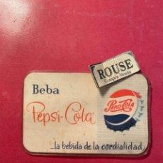 Coleccionismo de Coca-Cola y Pepsi: PEPSI-COLA , ANTIGUO CARNET . AMIGO DE PEPSI-COLA BARCELONA 10,5X7 CM.. Lote 269355663