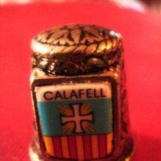 Coleccionismo de dedales: DEDAL METAL DORADO. CALAFELL. SERIE CIUDADES.. Lote 8422298