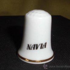 Coleccionismo de dedales: DEDAL DE' NAVIA' PORCELANA. Lote 31688852