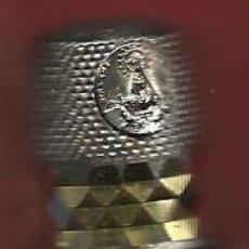 Coleccionismo de dedales: DEDAL CON LA VIRGEN DEL HENAR PLATEADO. Lote 36376553