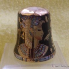Coleccionismo de dedales: DEDAL DE EGIPTO PORCELANA ORIGINAL. Lote 108781572