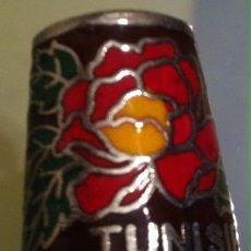 Coleccionismo de dedales: PRECIOSO DEDAL ESMALTADO DE TUNISIE TUNEZ. Lote 50909147