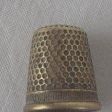 Coleccionismo de dedales: DEDAL BRONCE 1,80 X 1,50. Lote 55140611