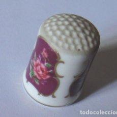 Coleccionismo de dedales: DEDAL PORCELANA, FLORES Y DORADO. Lote 83374320