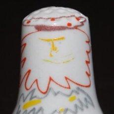 Coleccionismo de dedales: DEDAL DE PORCELANA CON FILETE ORO - BADADAKHARIDA (PICASSO). Lote 94382958