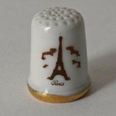 Coleccionismo de dedales: DEDAL DE PORCELANA DE LIMOGES. PARIS LA TORRE EIFFEL. VER FOTOS PARA VER DETALLES.. Lote 99782339