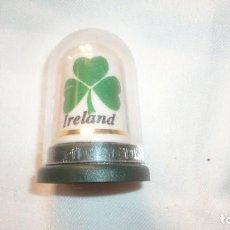 Coleccionismo de dedales: DEDAL DE IRLANDA CON ESTUCHE. Lote 100333815
