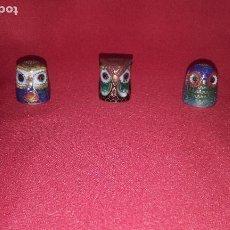Coleccionismo de dedales: 3 DEDALES BÚHOS DE LATÓN (2 CM). Lote 101041615