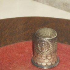 Coleccionismo de dedales: ANTIGUO DEDAL DE PLATA DE LA VIRGEN DEL PILAR.. Lote 101938439