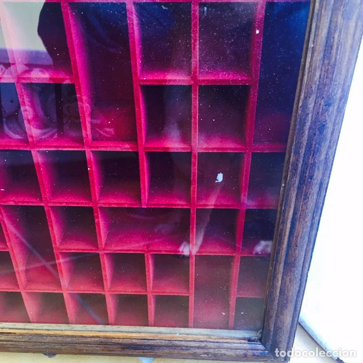 Coleccionismo de dedales: Bonita vitrina de pared para dedales muy bonita - Foto 3 - 107746939