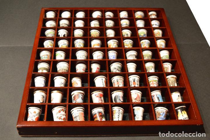 Coleccionismo de dedales: LOTE COLECCION 72 DEDALES DE PORCELANA MOTIVO REINO UNIDO INGLATERRA FAMILIA REAL EXPOSITOR MADERA - Foto 9 - 121615622