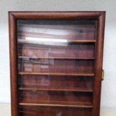 Coleccionismo de dedales: MUEBLE EXPOSITOR PARA DEDALES EN MADERA.. Lote 113194983