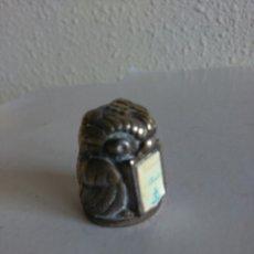 Coleccionismo de dedales: DEDAL BÚHO DE METAL. Lote 119289119